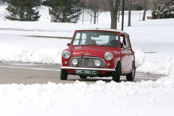 Winter Mini Front Left