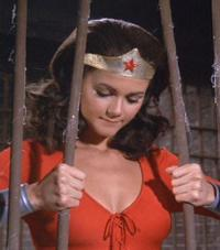 Wonder_woman_in_jail_4